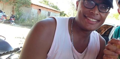 Cantor de vaquejada morre em acidente na cidade de Curimatá
