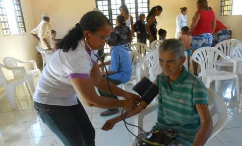 Cerca de 500 pessoas participam do Dia de Cidadania da Comunidade de Mandacarú