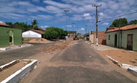 Parnaguá recebe pavimentação asfáltica na Avenida David Mascarenhas
