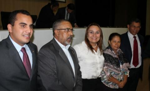 Senador Paulo Paim debate ampliação da terceirização no Brasil