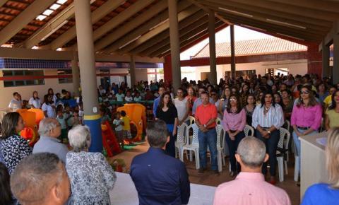 Jesualdo Cavalcanti inaugura creche Tia Cecy, no bairro Vermelhão