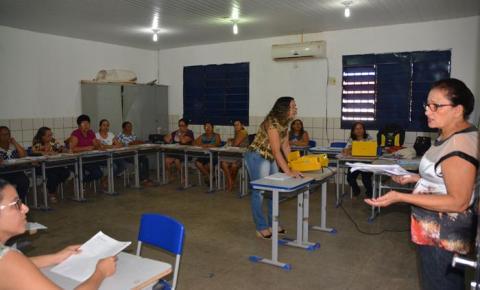 Professores do Ensino Fundamental da rede municipal de ensino participam de formação continuada em Corrente