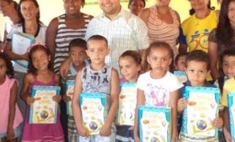 Prefeitura de Cristalândia realiza entrega de livros para educação infantil