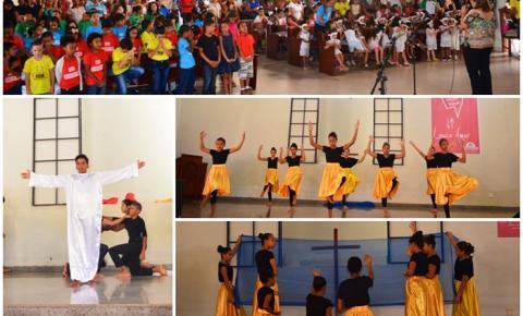 Escola Antônio Rocha canta o verdadeiro significado da Páscoa