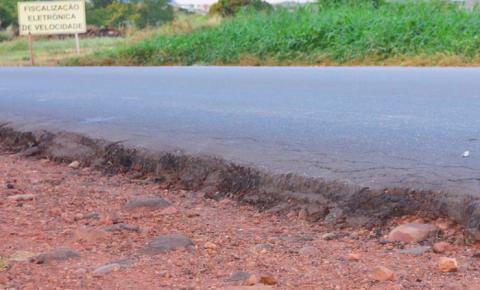 Vereadores de Corrente denunciam altura do asfalto da BR 135 como causa de acidentes constantes