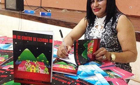 Escritora correntina lança livro no estado doTocantins