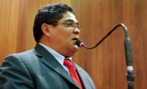 Magalhães anuncia mais ambulâncias para o Estado