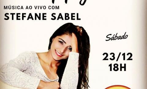 Neste sábado tem Stefane Sabel no Coelho Café