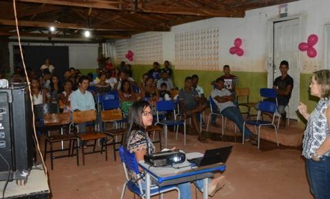 Promotora ministra palestra sobre Direito das Mulheres em escola de Corrente