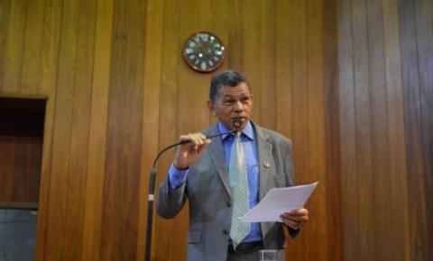 Deputado João de Deus acusa oposição de trabalhar contra empréstimo