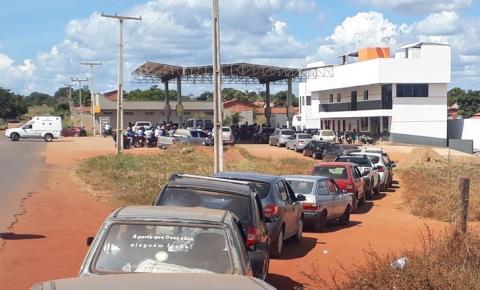Motoristas lotam posto de combustível em Corrente com medo de ficar sem gasolina