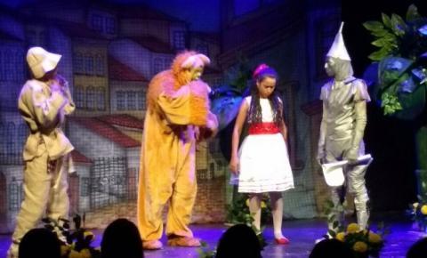 Projeto Circulando Teatro Pelo Piauí traz até Corrente a peça O Mágico de Oz
