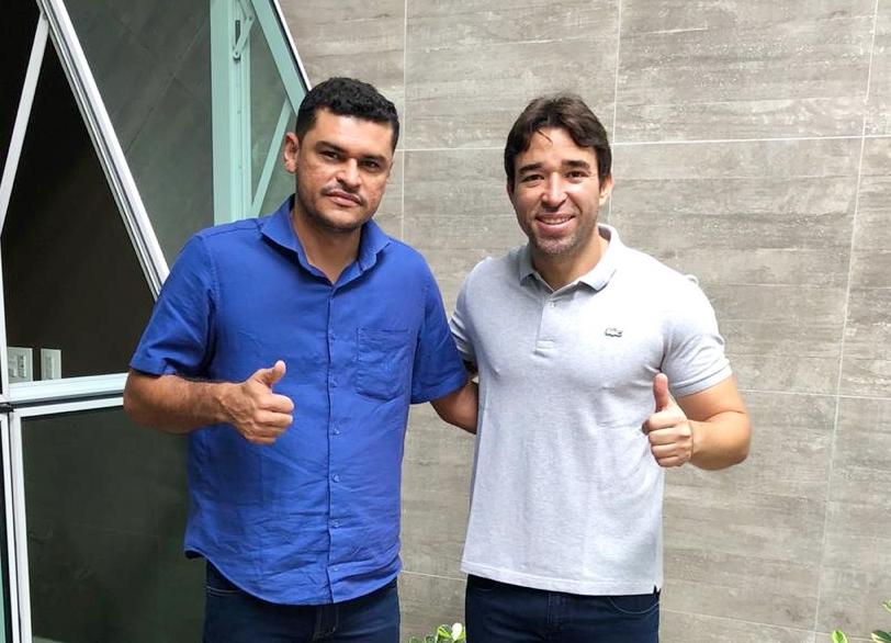 O deputado Marden Menezes (PSDB) também assumiu o compromisso de destinar emendas para Sebastião Barros