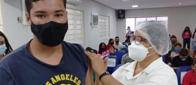 Piauí mantém vacinação a menores de 18 anos