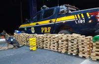 PRF apreende carregamento de drogas avaliadas em R$ 2 milhões e prende traficante em Floriano