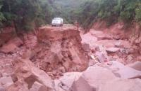 Enxurrada destrói PI 392 na Serra da Laranjeira em Currais, importante via de escoamento da produção do Cerrado