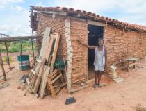 Governo do Piauí pagará R$ 200 mensais a 8 mil famílias em extrema pobreza