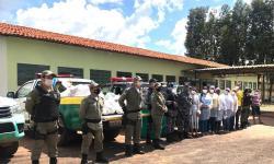 Polícia Militar faz entrega de doações natalinas às famílias carentes de Corrente