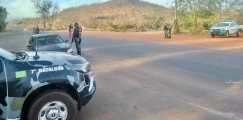 Comando de Policiamento dos Cerrados realiza Operação Bloqueio na BR-135 em Corrente