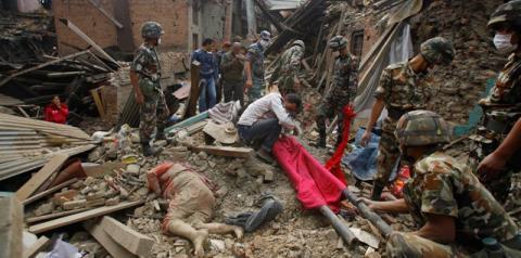 Mortes em decorrência do terremoto no Nepal ultrapassam 2.500