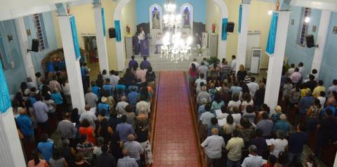 Missa de sétimo dia de Jesualdo Filho é celebrada em Corrente