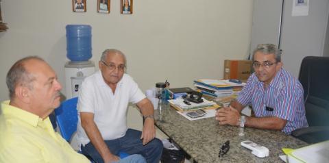 Diretor da UESPI de Corrente recebe comitiva e reivindica melhorias para o campus