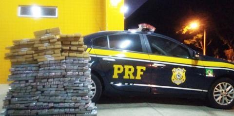PRF prende motorista que transportava 300kg de droga em Floriano