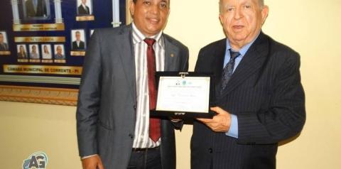 Ageu Cavalcante Lemos é agraciado com a Comenda Marquês de Paranaguá