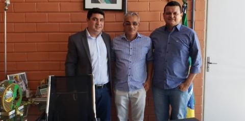 Prefeito Paulo Lustosa trata na Fundespi sobre a construção do estádio municipal de São Gonçalo do Gurgueia