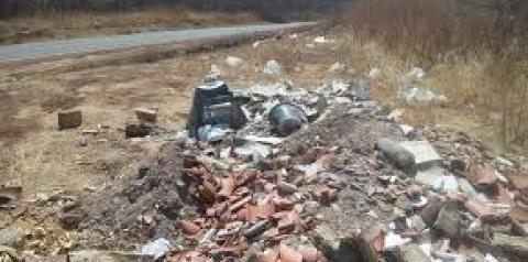 Prefeito de Gilbués publica decreto proibindo jogar lixo em vias públicas