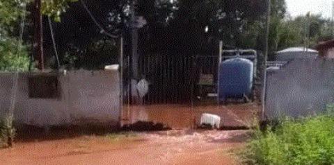 Apesar da enchente, sistema de abastecimento d'água de Corrente tem previsão de voltar neste sábado (28)