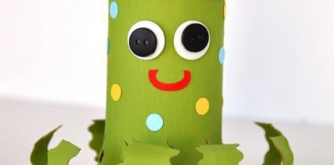 3 brinquedos infantis feitos com rolo de papel higiênico