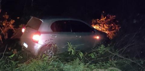 Polícia Militar recupera veículo tomado de assalto por dois menores e uma jovem de 18 anos em Corrente
