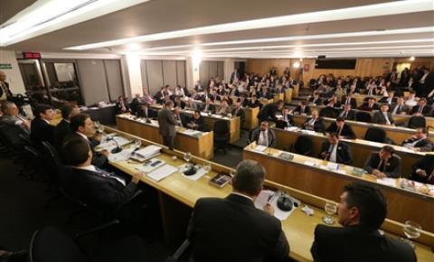 OAB refuta e repudia declarações de Barbosa sobre TRFs