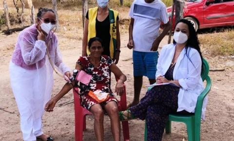 Equipe da Secretaria de Saúde de Sebastião Barros visita dez famílias nas localidades Riacho e Jaú