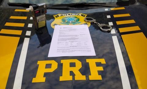 Condutor inabilitado é preso pela PRF na BR-135 em Gilbués com índice de embriaguez 14 vezes maior que o permitido