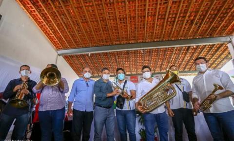 Governador visita obras e autoriza investimentos em Buriti dos Lopes