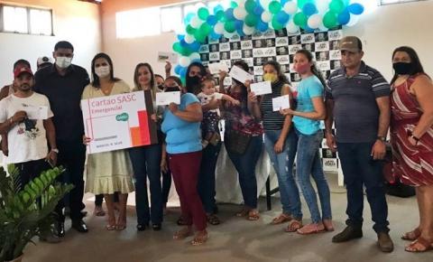 Secretaria de Assistência Social de Sebastião Barros faz a entrega do cartão SASC Emergencial à 30 famílias