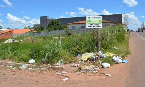 Superintendência de Meio Ambiente de Corrente alerta para os riscos do lixo jogado em terrenos