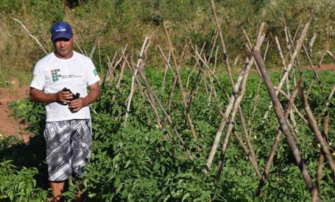 Em programa inédito, 174 pequenos produtores rurais de Corrente serão beneficiados com calcário e fertilizante