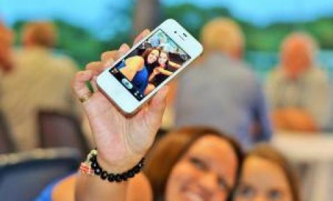 Selfie na urna: É proibido divulgar imagem de voto nas redes sociais