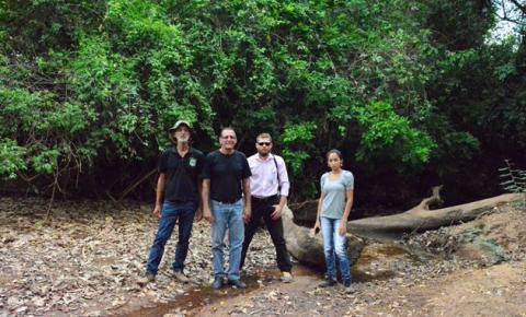 Acompanhados pela Superintendencia de Meio Ambiente, analistas da Codevasf visitam os rios Corrente e Paraim