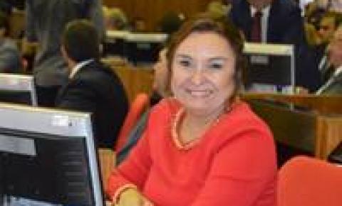 Flora Izabel é a nova líder do PT na Assembleia