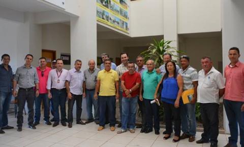 CNA/SENAR realizam reunião para modernização da Secretaria Municipal de Desenvolvimento Rural