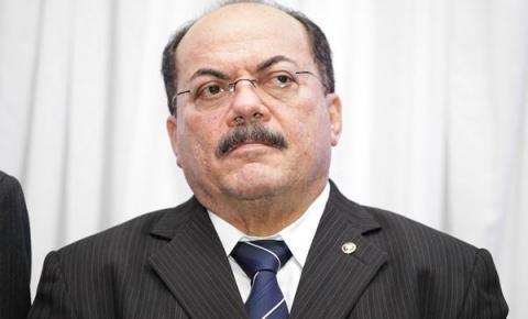 Presidente do TJ-PI recebe auxílio de 20 anos atrás