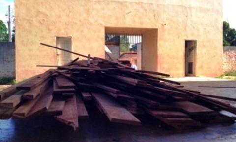IBAMA apreende carregamento de madeira ilegal em Santa Filomena