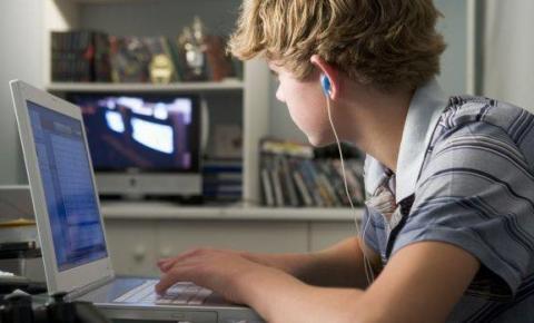 O seu filho está usando a internet de forma segura?