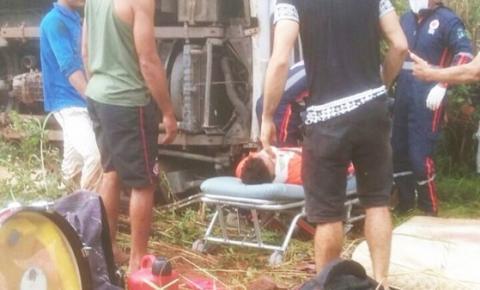 Motorista perde o controle de van e filho do cantor Cristiano Neves morre em acidente na BR 135
