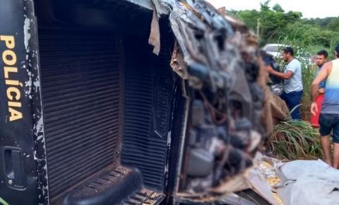 Quatro policiais militares morrem após viatura colidir com carreta na PA-287, sul do Pará