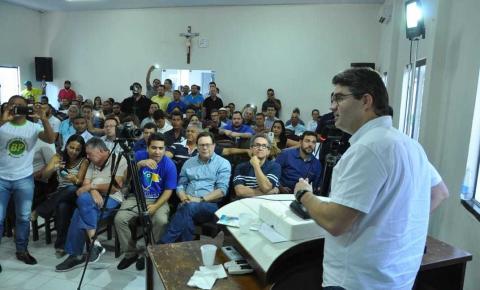 Deputado Luciano Nunes realiza seminário na cidade de Bom Jesus